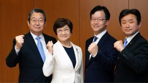県議会議員選挙での勝利を固く誓う公明党の4候補 (写真左から八島いさおさん、田村けい子さん、村本しゅうじさん、たかさき進さん)